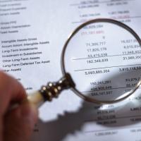 Eindeutige Leistungsbeschreibung in einer Rechnung auch im Niedrigpreissegment erforderlich
