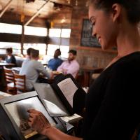 Mindestlohn steigt auch 2020; Arbeitszeit von Minijobbern überprüfen